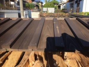 薪棚 屋根 勾配 屋根正面