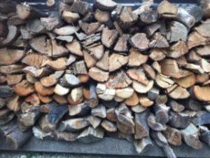薪 乾燥期間 キリたて